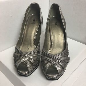 Bakers 15-Pewter Peggy Platform Open Toe